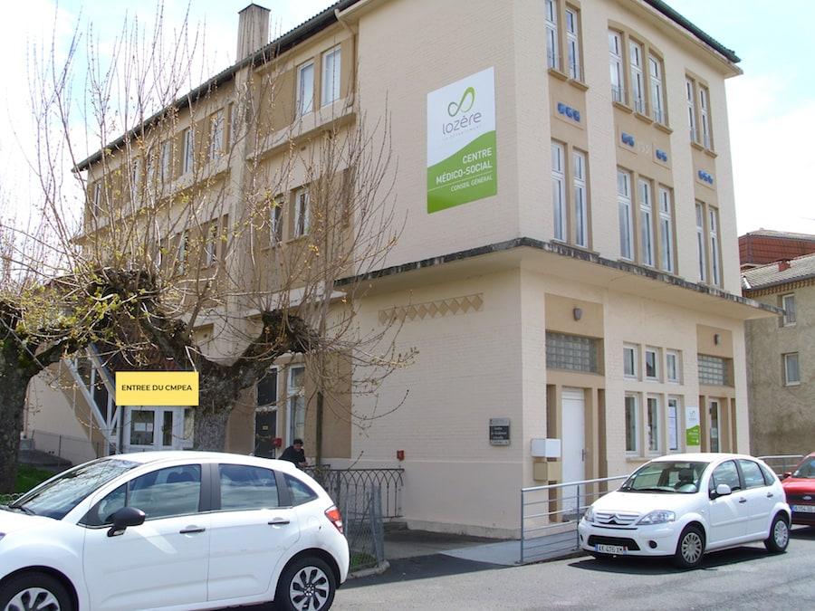 Entrée du bâtiment consultation psychiatrie enfant CMPEA de Langogne CHFT