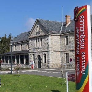 Entrée du bâtiment d'administration de l'EPSM Lozère à Saint Alban sur Limagnole